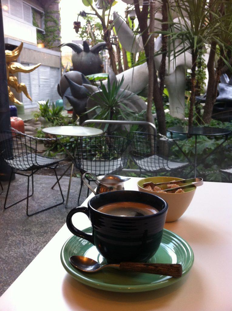 岡本太郎記念館〜併設のカフェ